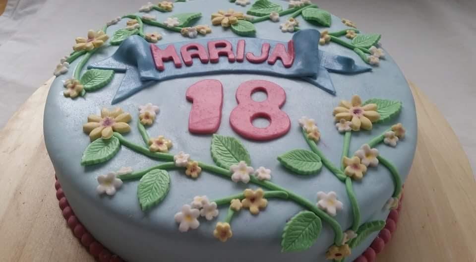 verjaardags taart 18 jaar